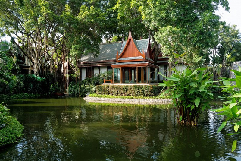 chiva-som_thai_pavilion_suite_sitting_sala_lake_01